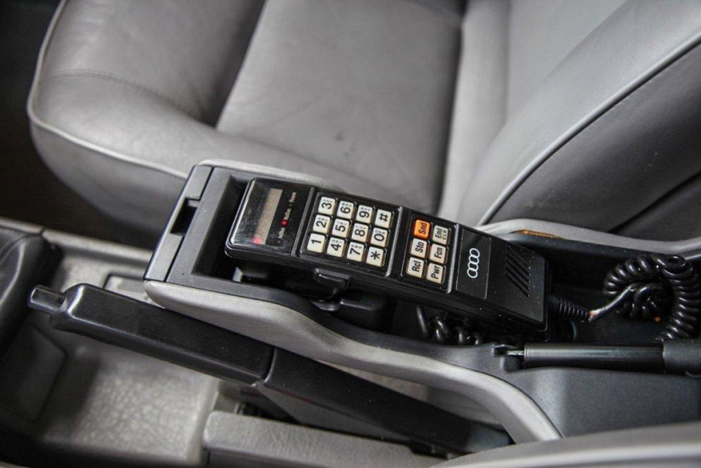 telefon w aucie